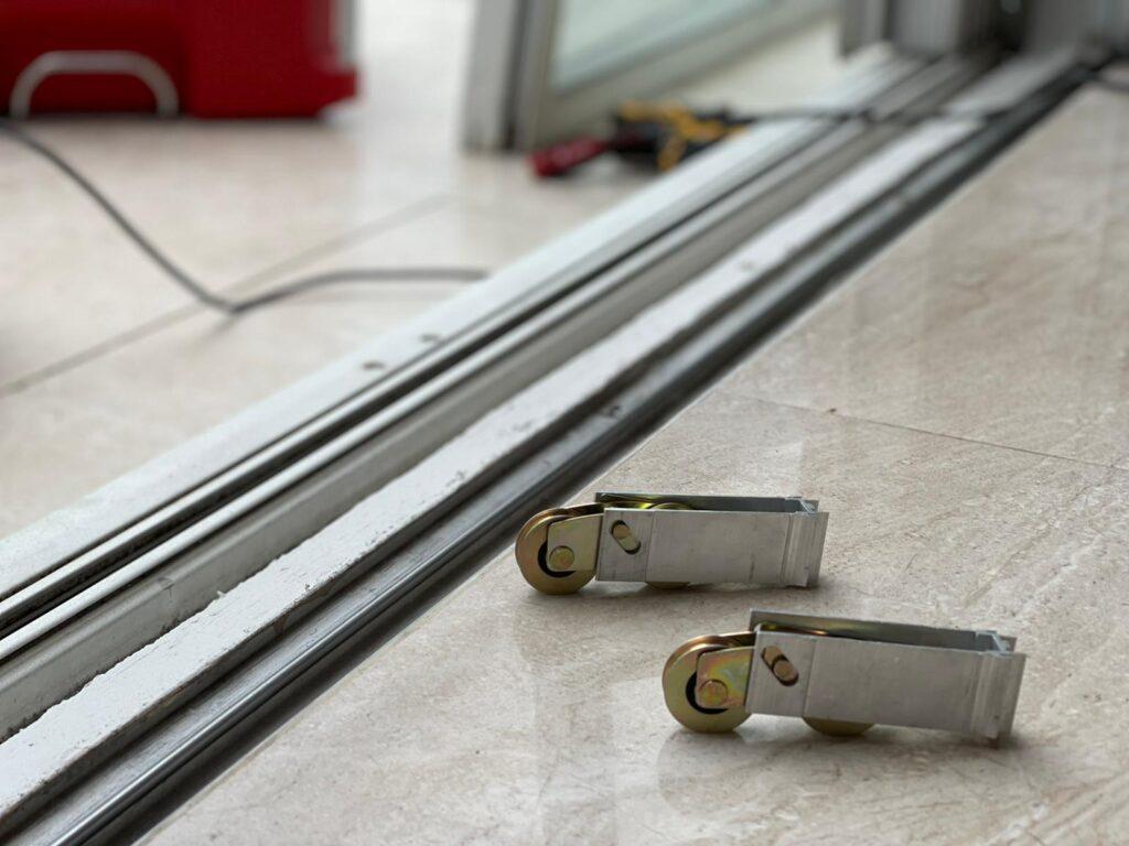sliding door roller repair